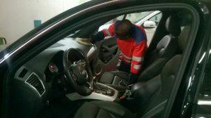Nettoyage de l'habitacle de la voiture
